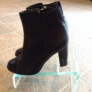 NWOT CLARKS black ankle boots.